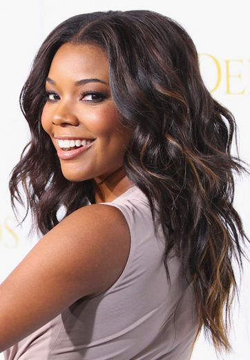 hair-natural-sporty-style-type-gabrielleunion-wavy-hair-center-part-layered-cut-curlingiron.jpg