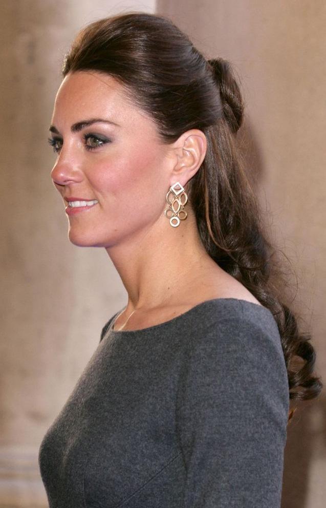 hair-classic-style-type-katemiddleton-halfuphalfdown-earrings-dress.jpg
