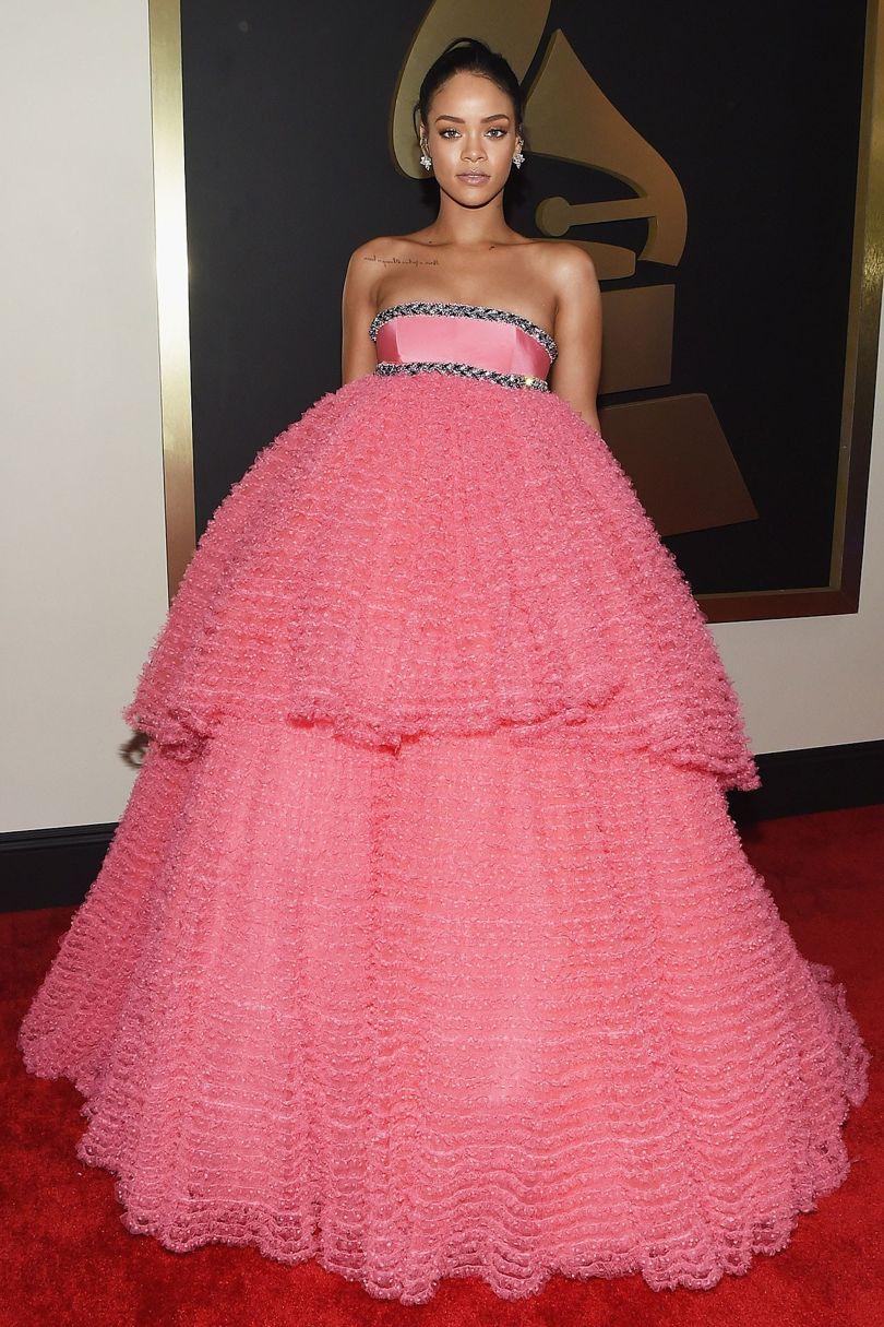 elegant-trendsetter-style-type-fashion-pink-gown-princess-puff-rihanna-redcarpet.jpg