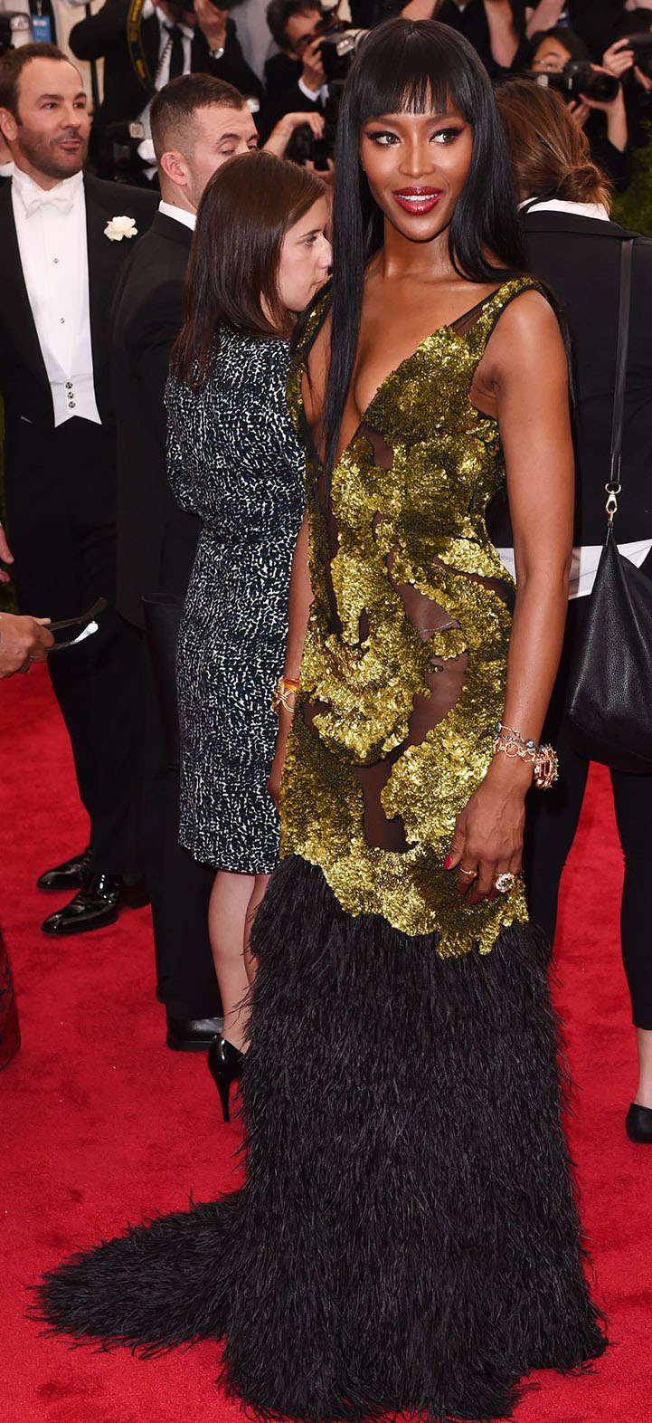 elegant-dramatic-style-type-naomicampbell-green-gown-dress-plunging-redcarpet-fringe-model.jpg