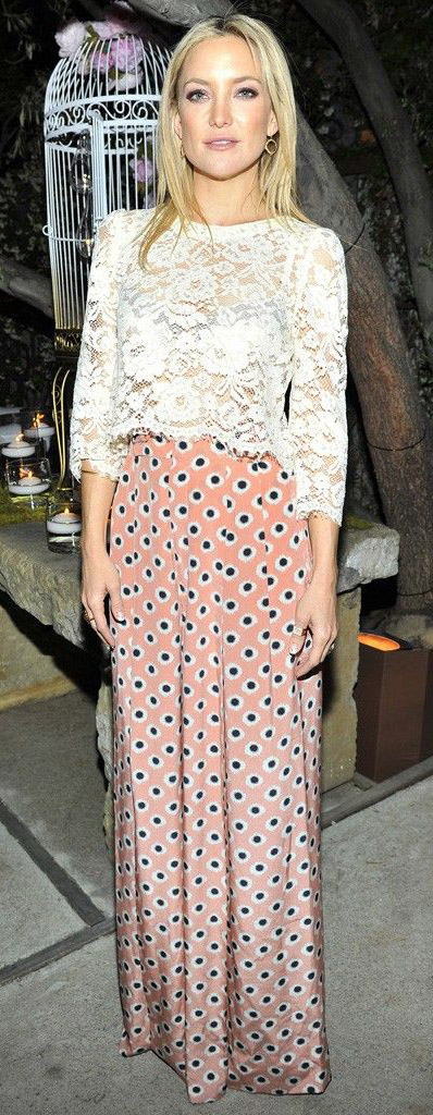 celebrity-katehudson-white-lace-maxi-skirt-pink-print-bohemian-style-fashion.jpg
