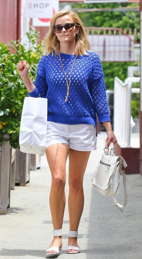 white-shorts-blue-med-sweater-necklace-white-shoe-sandals-white-bag-sun-reesewitherspoon-howtowear-style-spring-summer-blonde-weekend.jpg