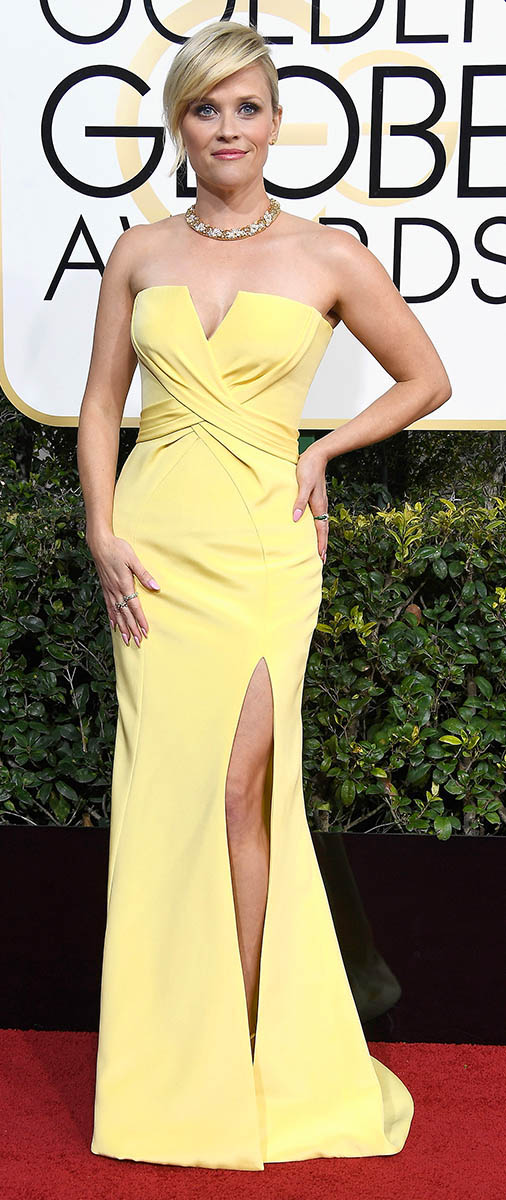 yellow-dress-gown-strapless-slit-necklace-collar-reesewitherspoon-howtowear-style-spring-summer-blonde-elegant.jpg