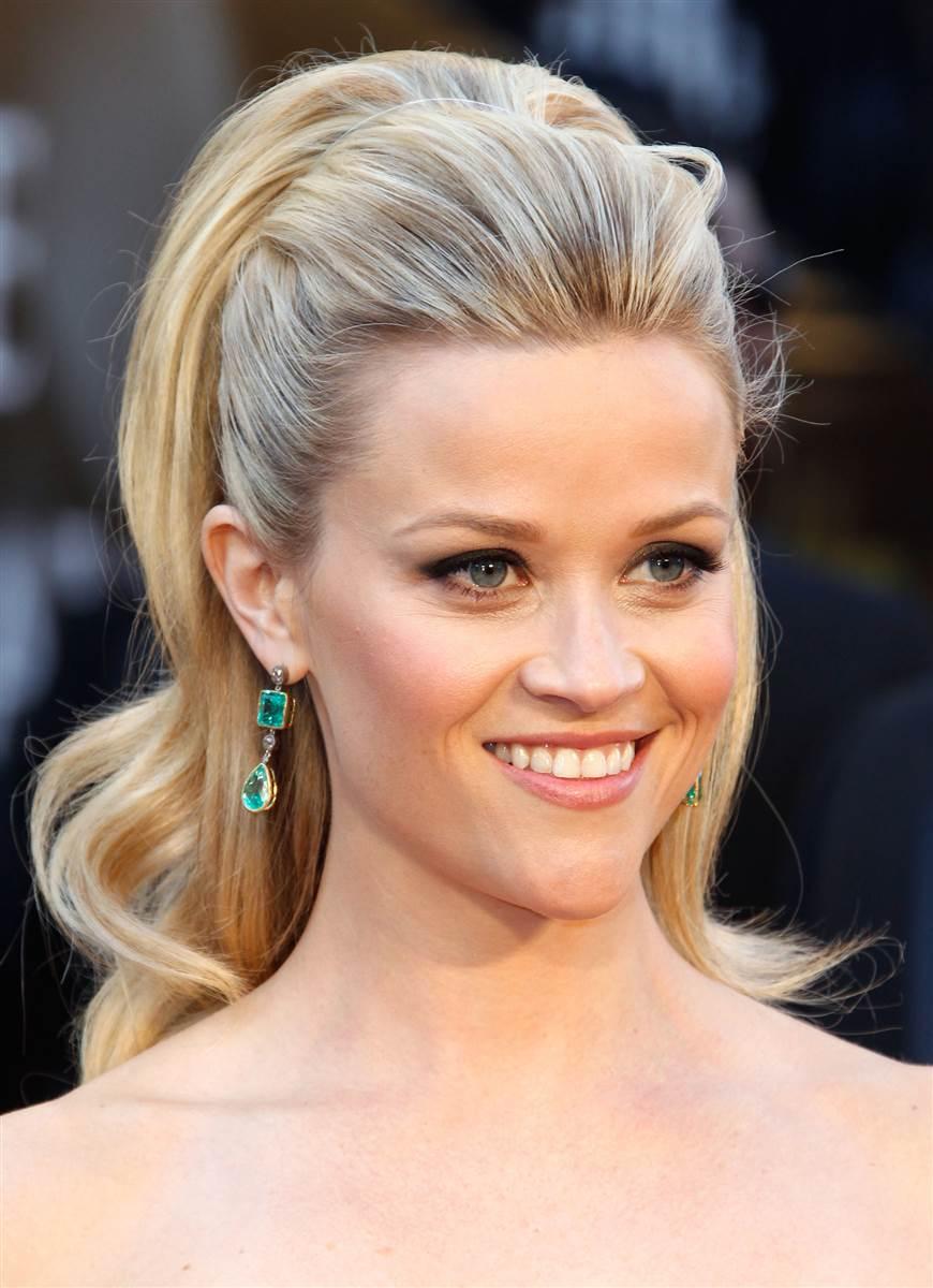 hair-reesewitherspoon-haircut-ponytail-earrings-green-emerald.jpg