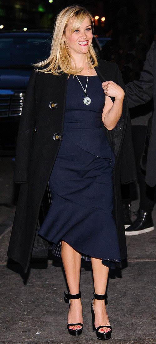 blue-navy-dress-midi-black-shoe-sandalw-necklace-pend-black-jacket-coat-reesewitherspoon-howtowear-style-fall-winter-blonde-dinner.jpg