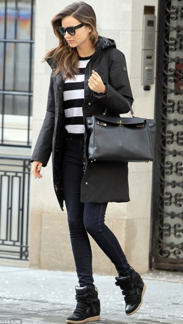 blue-navy-skinny-jeans-black-sweater-stripe-howtowear-style-fall-winter-wedge-black-shoe-sneakers-black-jacket-coat-parka-black-bag-mirandakerr-celebrity-street-classic-hairr-lunch.jpg