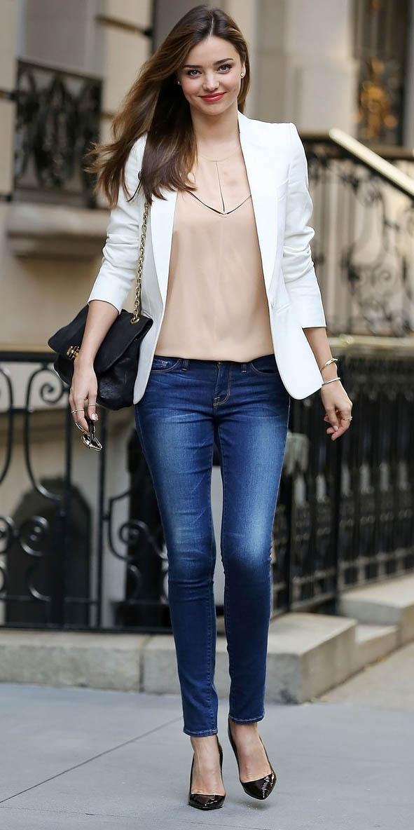 blue-navy-skinny-jeans-tan-top-blouse-white-jacket-blazer-black-bag-black-shoe-pumps-mirandakerr-spring-summer-work.jpg