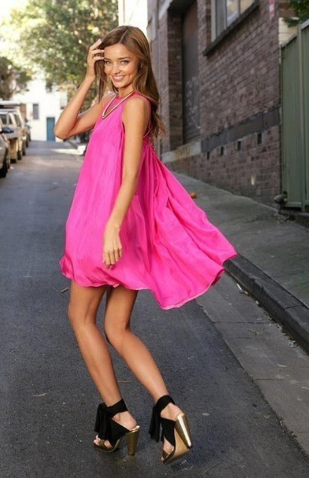 r-pink-magenta-dress-a-black-shoe-sandalh-swing-wear-style-fashion-spring-summer-mirandakerr-necklace-celebrity-hairr-classic-dinner.jpg