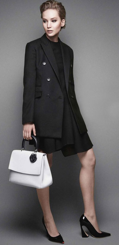 black-dress-aline-white-bag-black-jacket-blazer-black-shoe-pumps-mono-jenniferlawrence-style-spring-summer-blonde-work.jpg