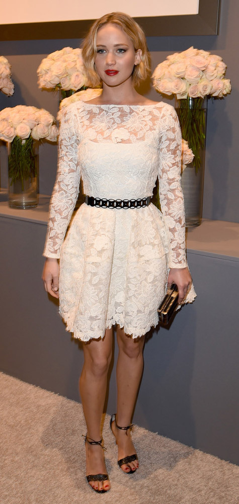 white-dress-mini-skinny-belt-lace-black-shoe-sandalh-jenniferlawrence-style-spring-summer-blonde-dinner.jpg