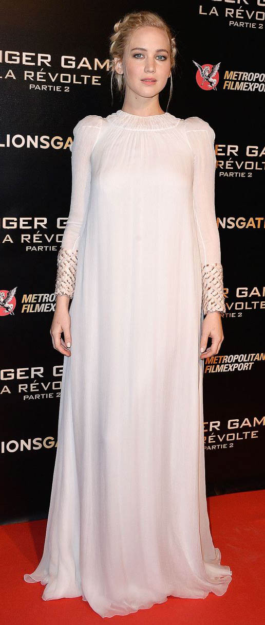 white-dress-maxi-braid-longsleeve-jenniferlawrence-style-fall-winter-blonde-elegant.jpg
