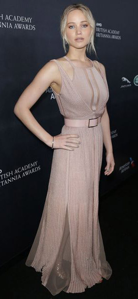 pink-light-dress-gown-belt-jenniferlawrence-style-spring-summer-blonde-elegant.jpg