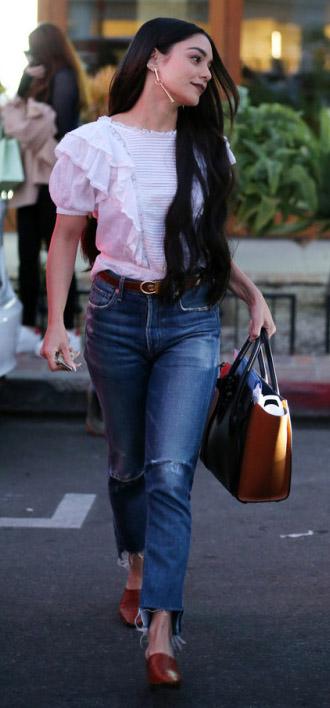 blue-med-crop-jeans-white-top-ruffle-belt-earrings-cognac-bag-cognac-shoe-flats-vanessahudgens-spring-summer-brun-lunch.jpg