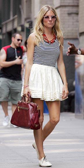 white-mini-skirt-blue-navy-top-tank-red-bag-necklace-sun-white-shoe-brogues-siennamiller-howtowear-fashion-style-outfit-spring-summer-blonde-weekend.jpg