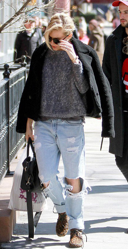 blue-light-boyfriend-jeans-grayd-sweater-tan-shoe-booties-leopard-siennamiller-fall-winter-blonde-weekend.jpg