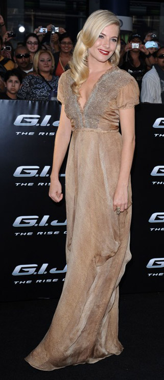 tan-dress-gown-siennamiller-spring-summer-blonde-elegant.jpg
