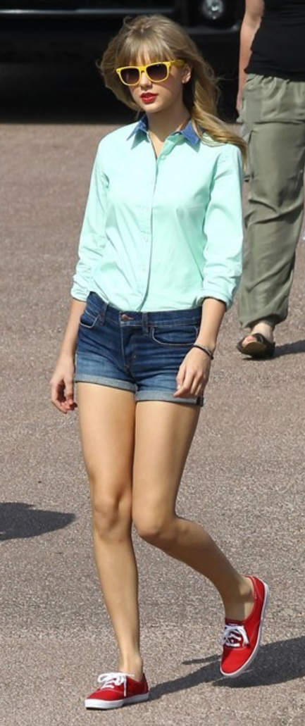 blue-navy-shorts-green-light-top-collared-shirt-sun-howtowear-fashion-style-outfit-spring-summer-red-shoe-sneakers-taylorswift-denim-blonde-weekend.jpg