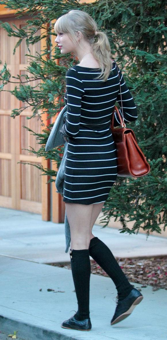 black-dress-zprint-stripe-black-shoe-flats-cognac-bag-howtowear-fashion-style-outfit-fall-winter-bodycon-knee-socks-loafers-taylorswift-street-loafers-pony-blonde-weekend.jpg