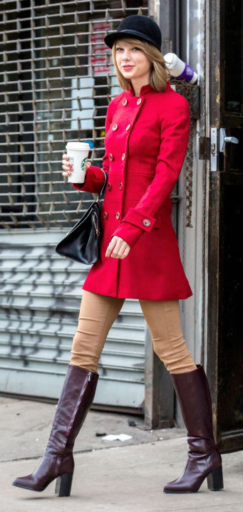 o-tan-skinny-jeans-red-jacket-coat-taylorswift-wear-outfit-fashion-fall-winter-brown-shoe-boots-celebrity-streetstyle-newyork-blonde-black-bag-hat-lunch.jpg