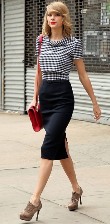 blue-navy-pencil-skirt-blue-navy-top-gingham-print-red-bag-howtowear-style-fashion-fall-winter-tan-shoe-booties-newyork-taylorswift-blonde-work.jpg