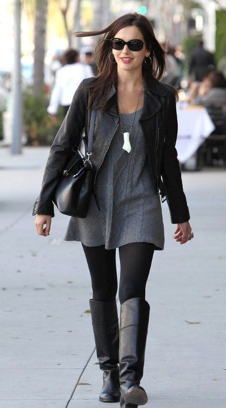 grayl-dress-sweater-necklace-pend-black-jacket-moto-black-tights-black-shoe-boots-black-bag-camillabelle-brun-fall-winter-lunch.jpg