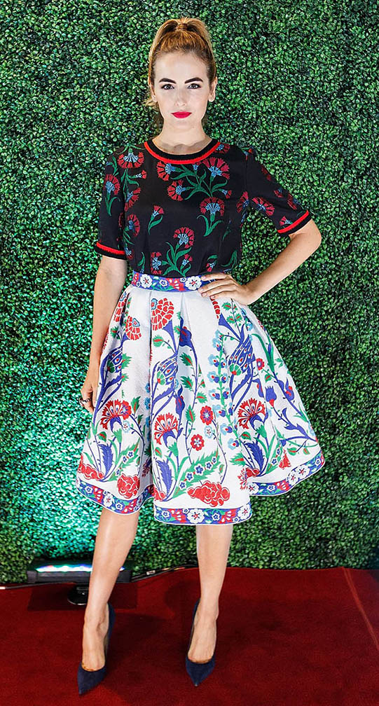 white-aline-skirt-black-top-outfit-romantic-girly-style-type-ladylike-bell-print-mixed-ponytail-hairr-red-lips-pumps-camillabelle-nordstrom-spring-summer-redcarpet-dinner.jpg