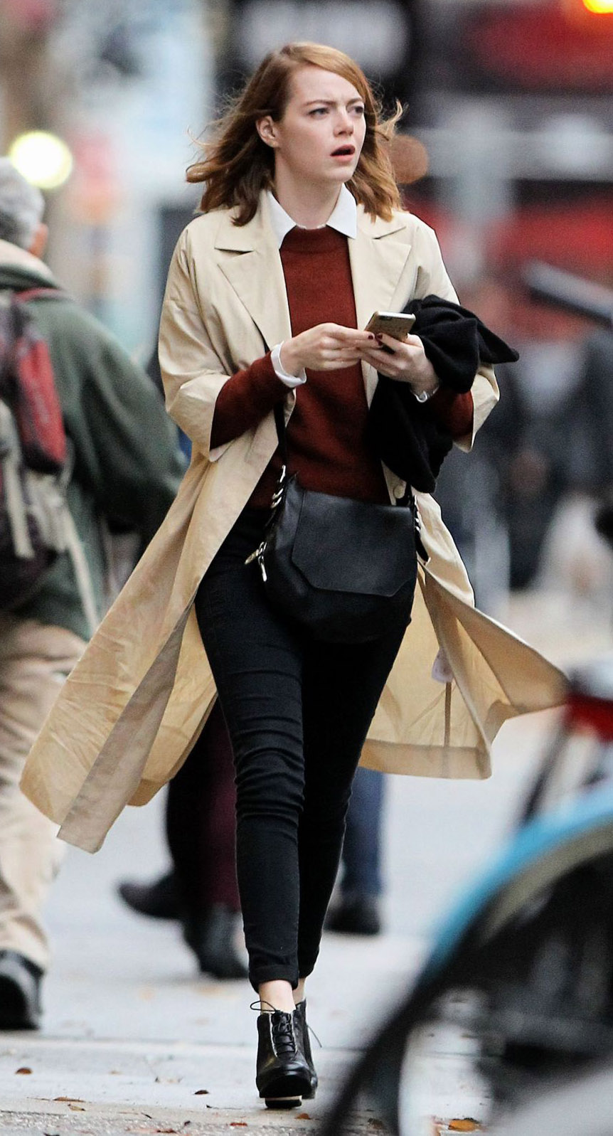 black-skinny-jeans-white-top-collared-shirt-r-burgundy-sweater-tan-jacket-coat-trench-fall-winter-black-shoe-booties-black-bag-emmastone-celebrity-newyork-hairr-lunch.jpg