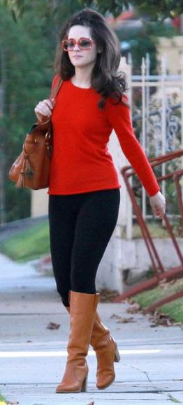 black-skinny-jeans-cognac-shoe-boots-cognac-bag-sun-red-sweater-zooeydeschanel-brun-fall-winter-weekend.jpg