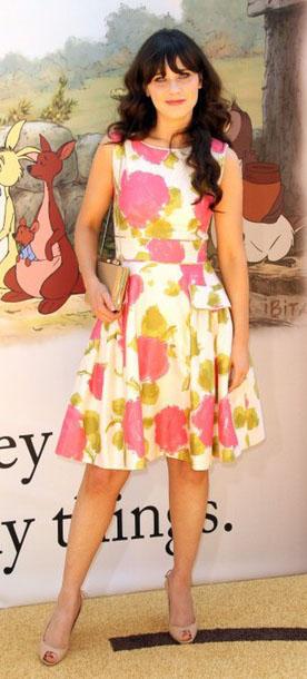 pink-magenta-dress-floral-print-aline-tan-bag-tan-shoe-pumps-zooeydeschanel-brun-spring-summer-lunch.jpg