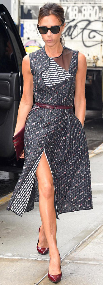 blue-navy-dress-aline-floral-print-sun-belt-burgundy-shoe-pumps-burgundy-bag-clutch-victoriabeckham-brun-spring-summer-lunch.jpg