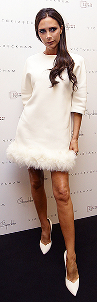 white-dress-mini-white-shoe-pumps-victoriabeckham-brun-spring-summer-dinner.jpg