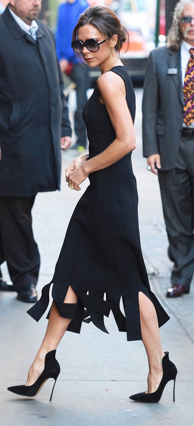 black-dress-aline-carwash-sun-bun-black-shoe-pumps-victoriabeckham-brun-spring-summer-dinner.jpg