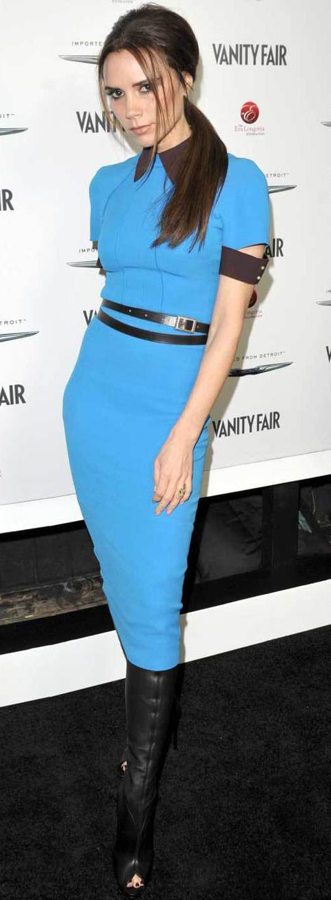 blue-med-dress-bodycon-belt-pony-black-shoe-boots-victoriabeckham-brun-fall-winter-dinner.jpg