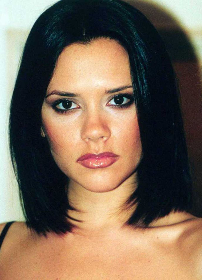 hair-makeup-victoriabeckham-brun-lob-straight.jpg