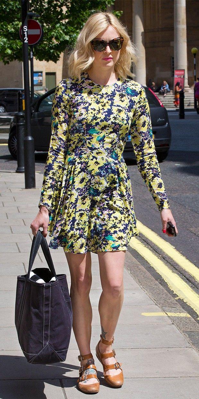 yellow-dress-mini-print-floral-cognac-shoe-flats-sun-blue-bag-tote-fearnecotton-spring-summer-blonde-lunch.jpg
