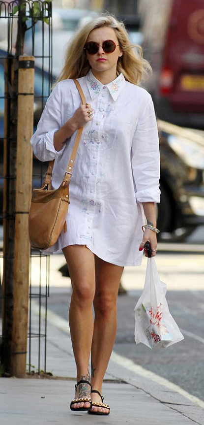 white-dress-black-shoe-sandals-tan-bag-sun-shirt--wear-style-fashion-spring-summer-fearnecotton-celebrity-street-blonde-lunch.jpg
