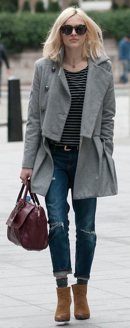 blue-navy-boyfriend-jeans-black-tee-stripe-grayl-jacket-coat-cognac-shoe-booties-belt-outfit-fall-winter-blonde-sun-fearnecotton-burgundy-bag-lunch.jpg