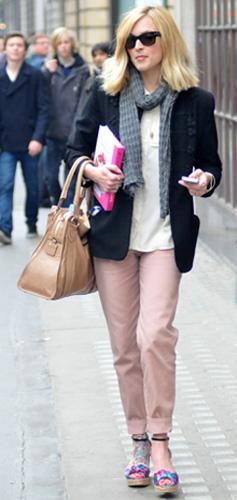 r-pink-light-chino-pants-white-top-blouse-grayl-scarf-black-jacket-blazer-tan-bag-sun-pink-shoe-sandalw-spring-summer-style-wedges-fearnecotton-celebrity-office-blonde-work.jpg