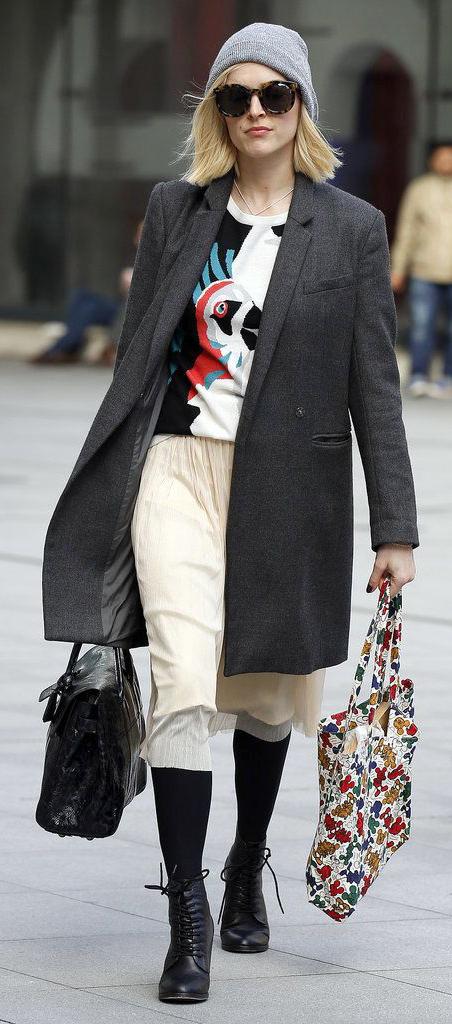 white-midi-skirt-black-sweater-grayd-jacket-coat-black-tights-sun-black-bag-fearnecotton-graphic-wear-outfit-fall-winter-black-shoe-booties-beanie-england-blonde-work.jpg