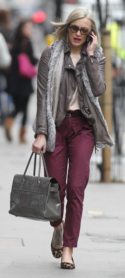 r-burgundy-chino-pants-tan-top-blouse-grayl-vest-fur-brown-jacket-moto-gray-bag-tan-shoe-flats-leopard-sun-fall-winter-belt-wear-fashion-style-fearnecotton-blonde-work.jpg
