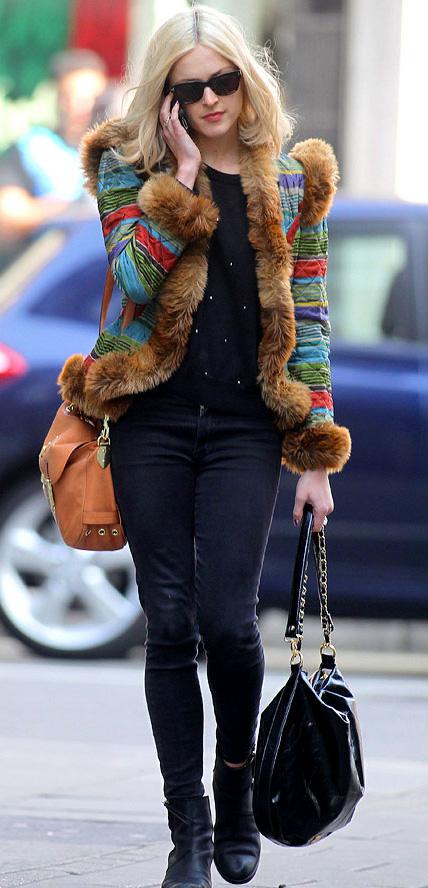 black-skinny-jeans-black-sweater-camel-jacket-fur-fuzz-stripe-cognac-bag-sun-black-shoe-booties-fearnecotton-fall-winter-blonde-dinner.jpg