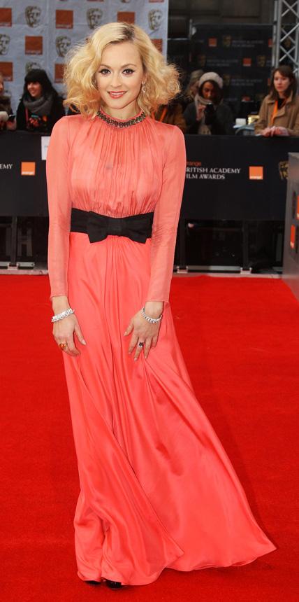 orange-dress-gown-bow-longsleeve-fearnecotton-fall-winter-blonde-elegant.jpg
