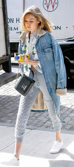 grayl-joggers-pants-blue-light-top-collared-shirt-blue-light-jacket-denim-oversize-black-bag-white-shoe-sneakers-wear-style-fashion-spring-summer-blonde-gigihadid-celebrity-weekend.jpg