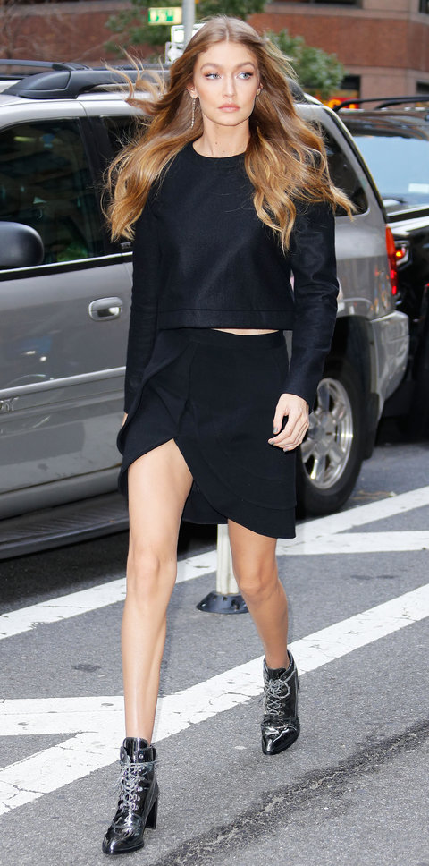 black-mini-skirt-black-sweater-black-shoe-booties-earrings-howtowear-fashion-style-outfit-fall-winter-hairr-gigihadid-street-style-lunch-dinner.jpg