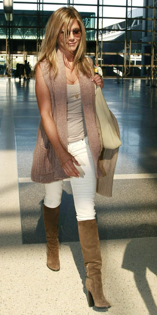 white-skinny-jeans-tan-shoe-boots-tan-tank-pink-light-vest-knit-blonde-jenniferaniston-celebrity-airport-style-travel-fall-winter-weekend.jpg