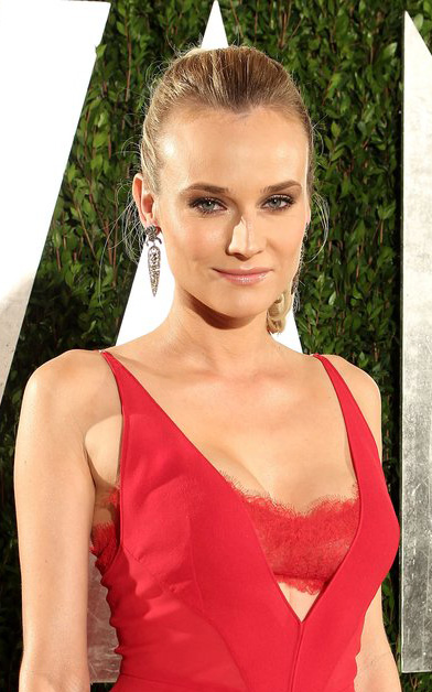 what-to-wear-square-face-shape-style-haircut-sunglasses-hat-earrings-jewelry-dianekruger-red.jpg