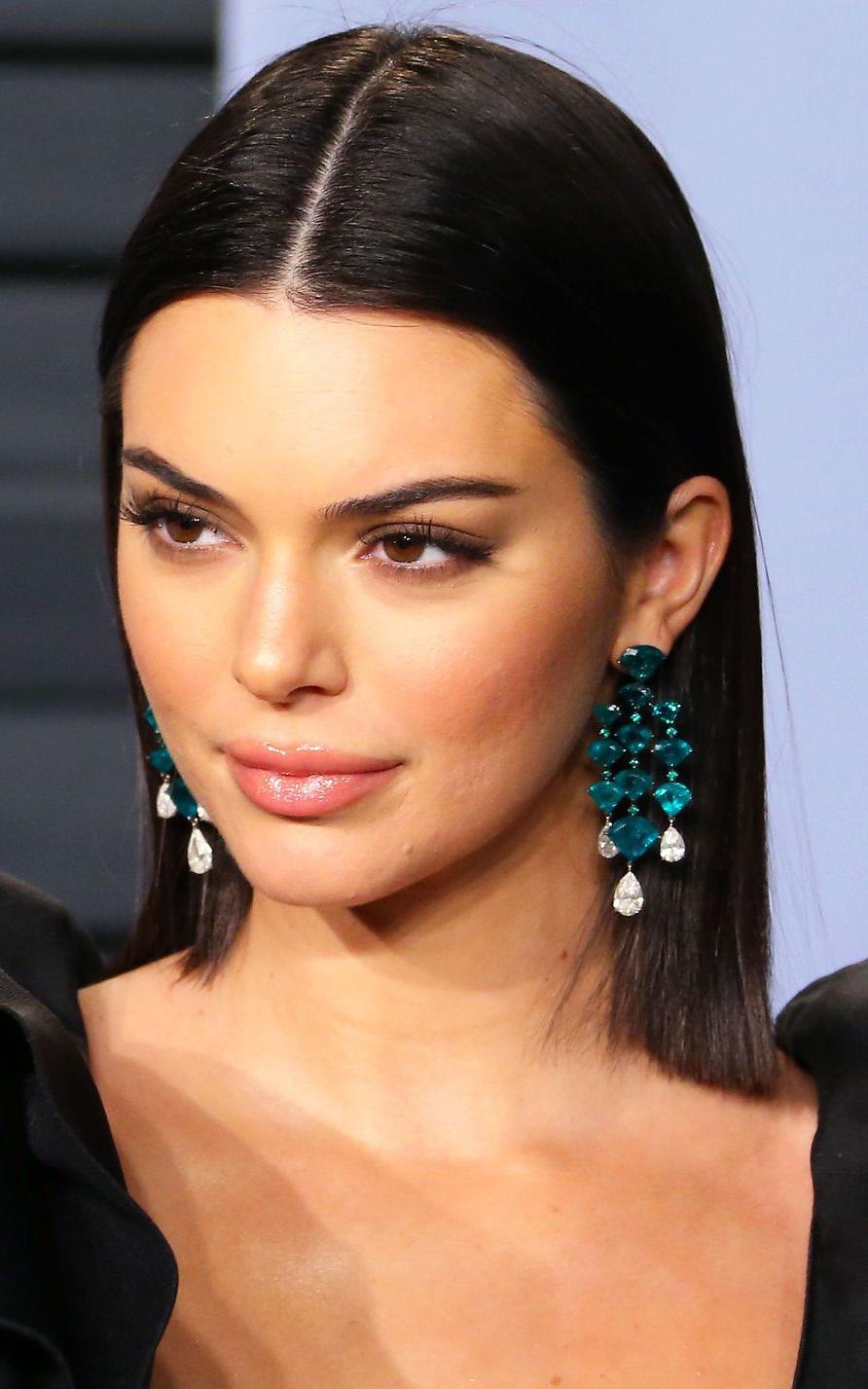 what-to-wear-heart-face-shape-style-haircut-sunglasses-hat-earrings-jewelry-kendalljenner-vanityfair-earrings-chandelier.jpg