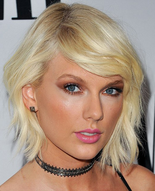 hair-taylorswift-blonde-makeup-bob-textured-bleach-choker-eyeshadow.jpg