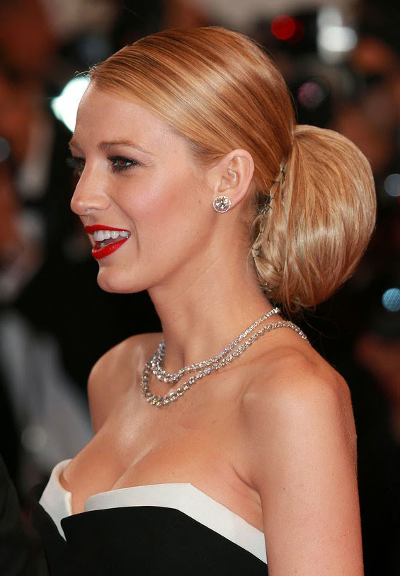 what-to-wear-oblong-face-shape-style-haircut-sunglasses-hat-earrings-jewelry-blakelively-updo-bun-strapless-dress.jpg