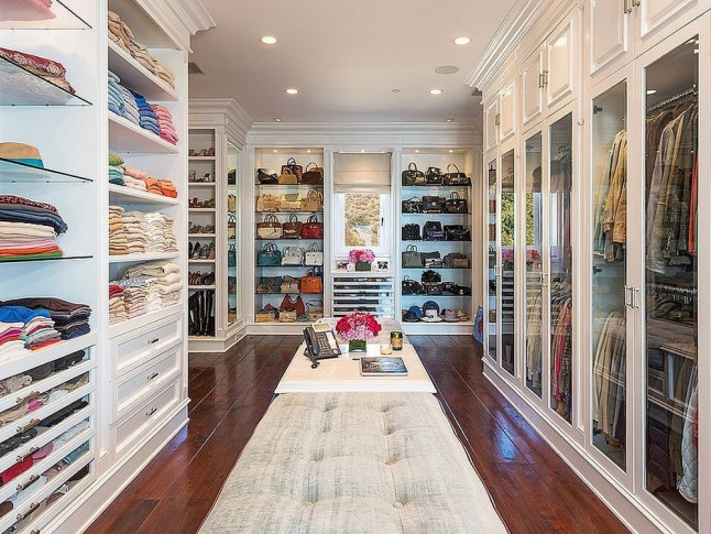 how-to-organize-your-clothes-wardrobe-storage-shelves-handbags-shoes-folded-pretty-walkin-dressing-room-white-wood.jpg